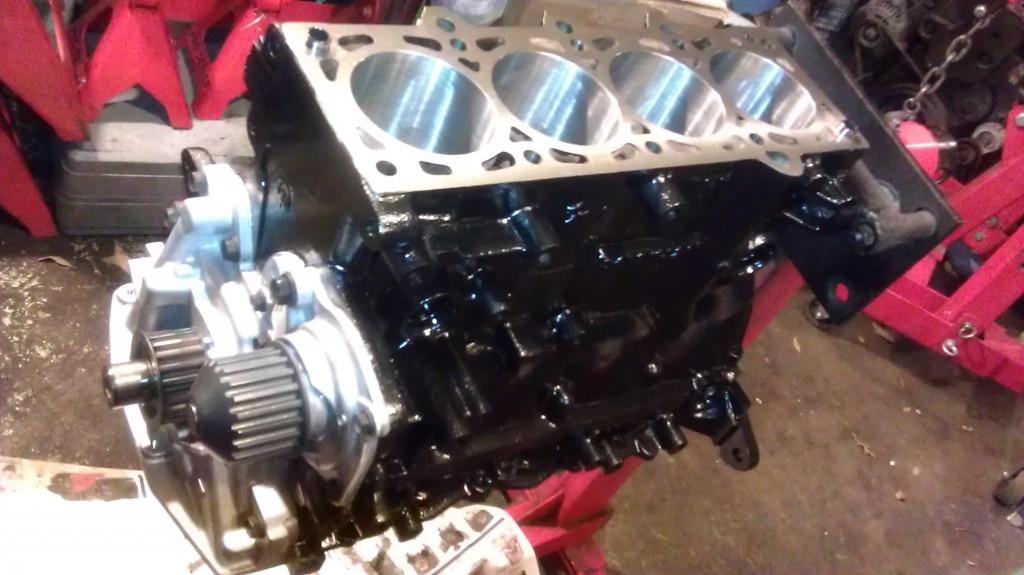 Cory S Srt 4 Engine Rebuild Coming Along Well Je Pistons